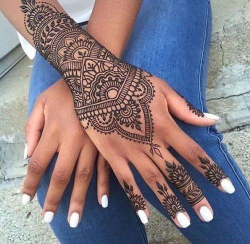 tatouage au henné noir modèle 03