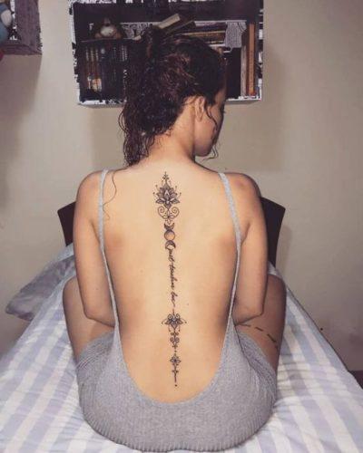 tatouage au henné noir modèle 10